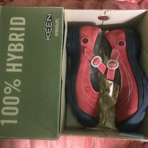 Keen Calistoga Mary Jane Red Black 9.5 EUC